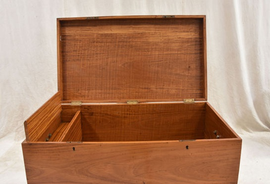 dutch_colonial_chest_on_stand_34_2_7